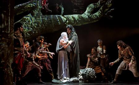 «Русские сезоны» покажут онлайн постановки опер Бизе и Пуччини