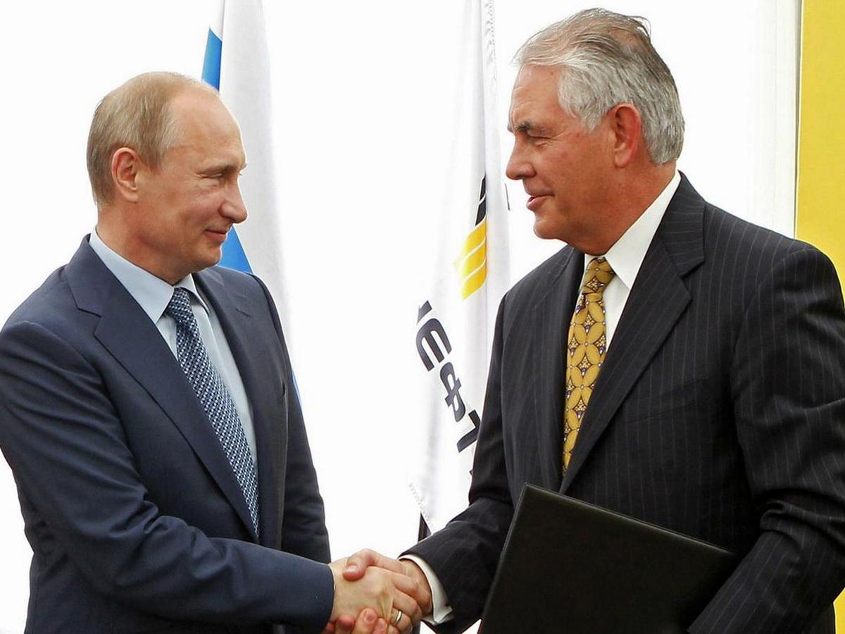 Стали известны слова Путина, которые напугали Тиллерсона
