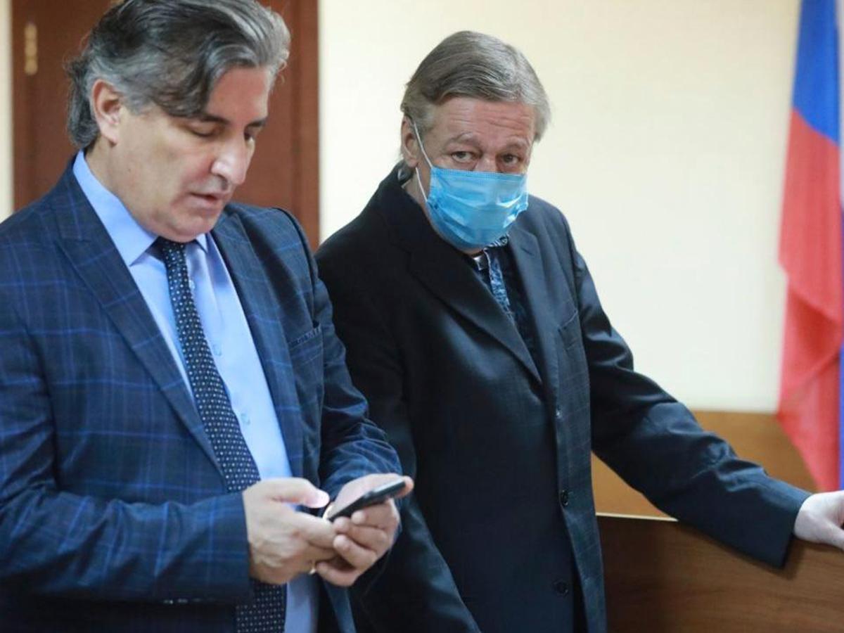 Пашаев навязал свои услуги Ефремову