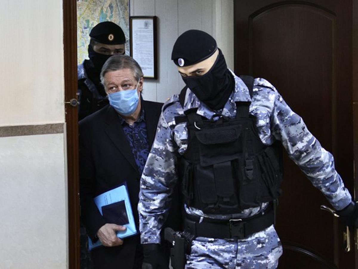 Сокамерники рассказали о поведении Ефремова в СИЗО