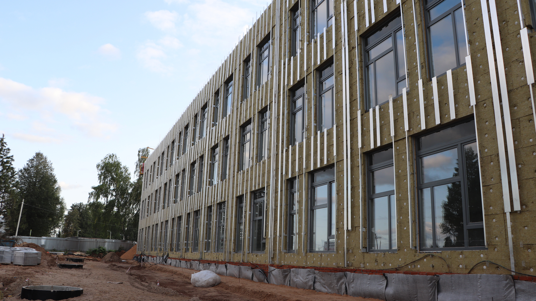 Строительство школы на 550 мест в Волоколамске планируют завершить в декабре