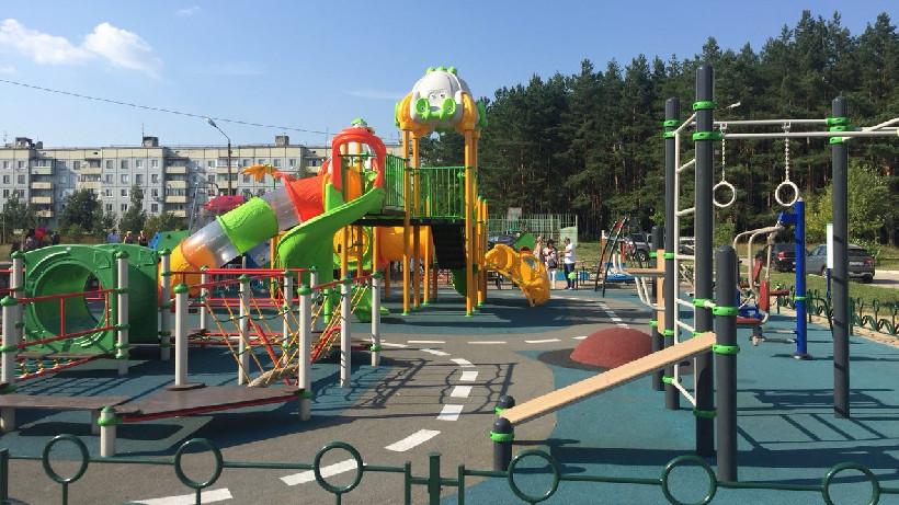 Уникальные детские площадки появятся в семи парках Московской области