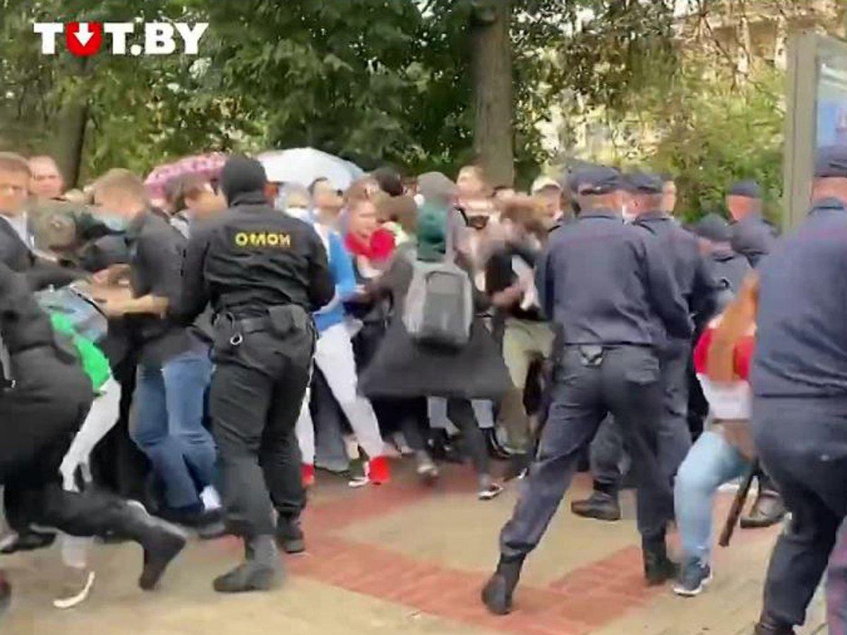 В Минске силовики разогнали протестующих студентов