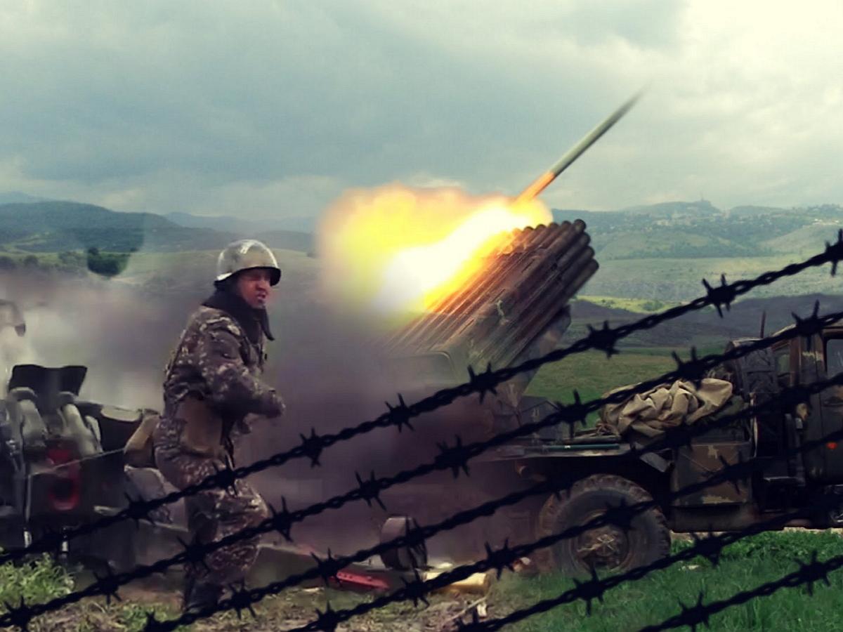 В Нагорном Карабахе начались военные действия: Армения сбила два азербайджанских вертолета и БПЛА