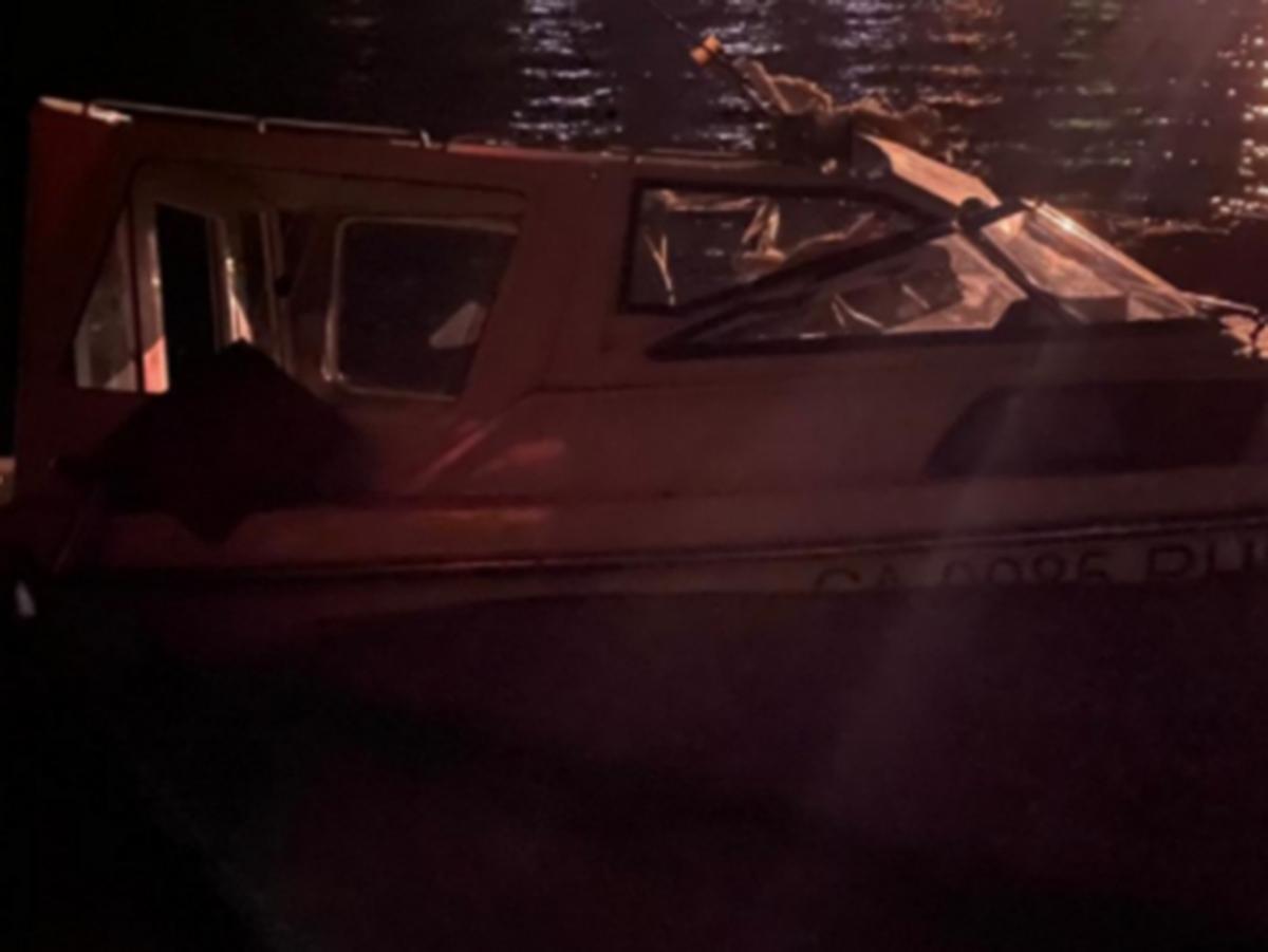 Столкновение катера и баржи в Сургуте