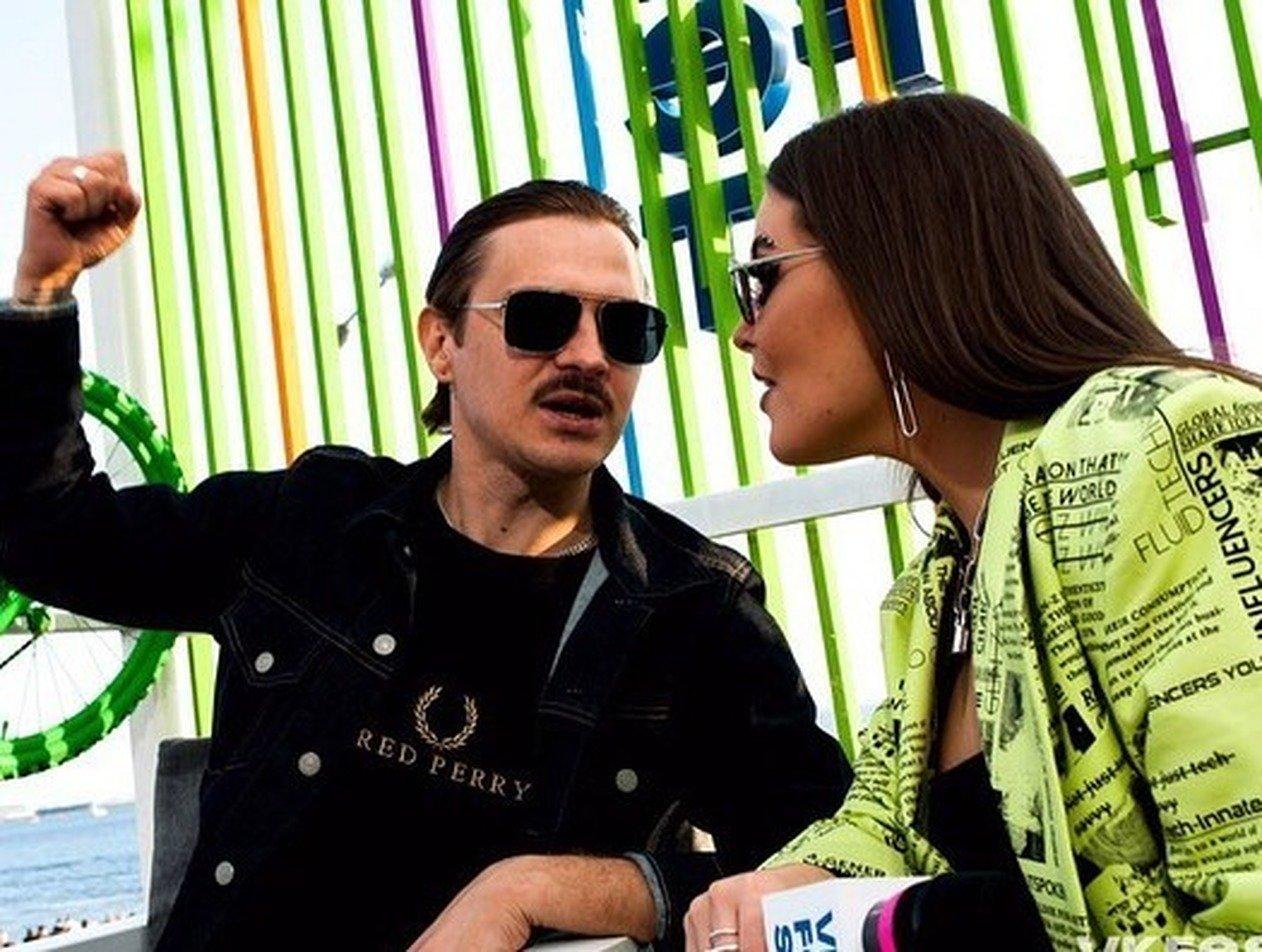 Вокалистку Little Big обвинили в разводе солиста Ильи Прусикина