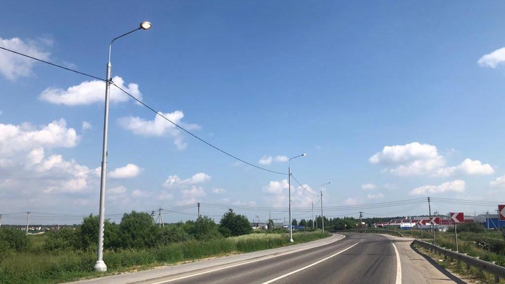 Более 40 км линий наружного освещения построили в Подмосковье с начала года