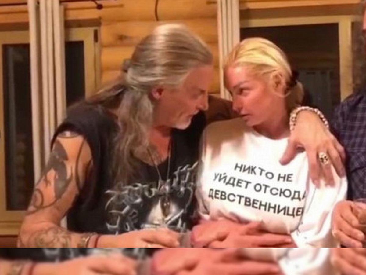 """""""Чудище для сексуальных утех"""": пьяные Волочкова и Джигурда ошарашили Сеть"""