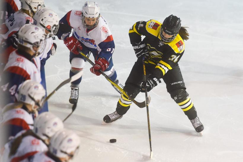 Хоккеистки «Торнадо» разменялись победами с соперницами из «Бирюсы» на старте ЖХЛ в Подмосковье