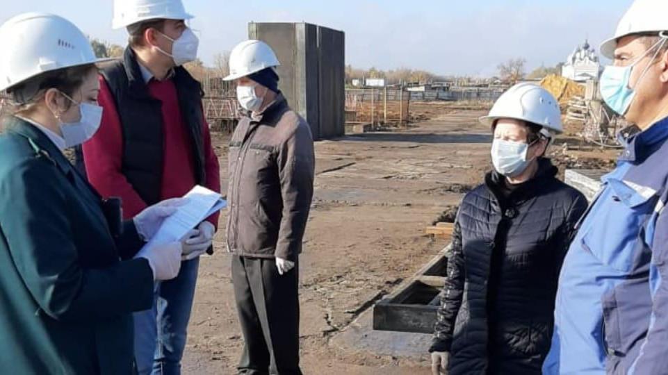 Инспекторы Главгосстройнадзора проверили ход строительства корпусов жилого дома в Дзержинском