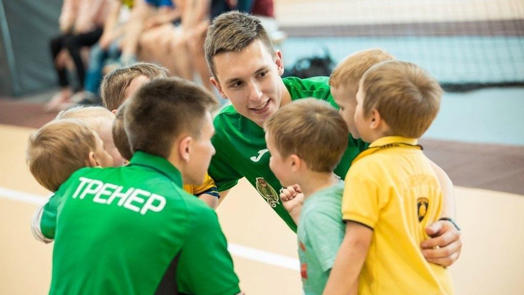 Министр физической культуры и спорта Подмосковья поздравил тренеров с праздником