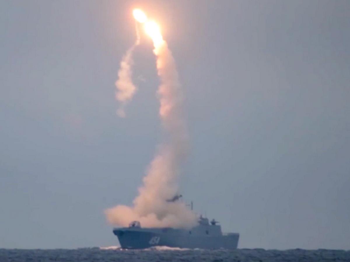 """Минобороны впервые показало запуск гиперзвуковой ракеты """"Циркон"""""""