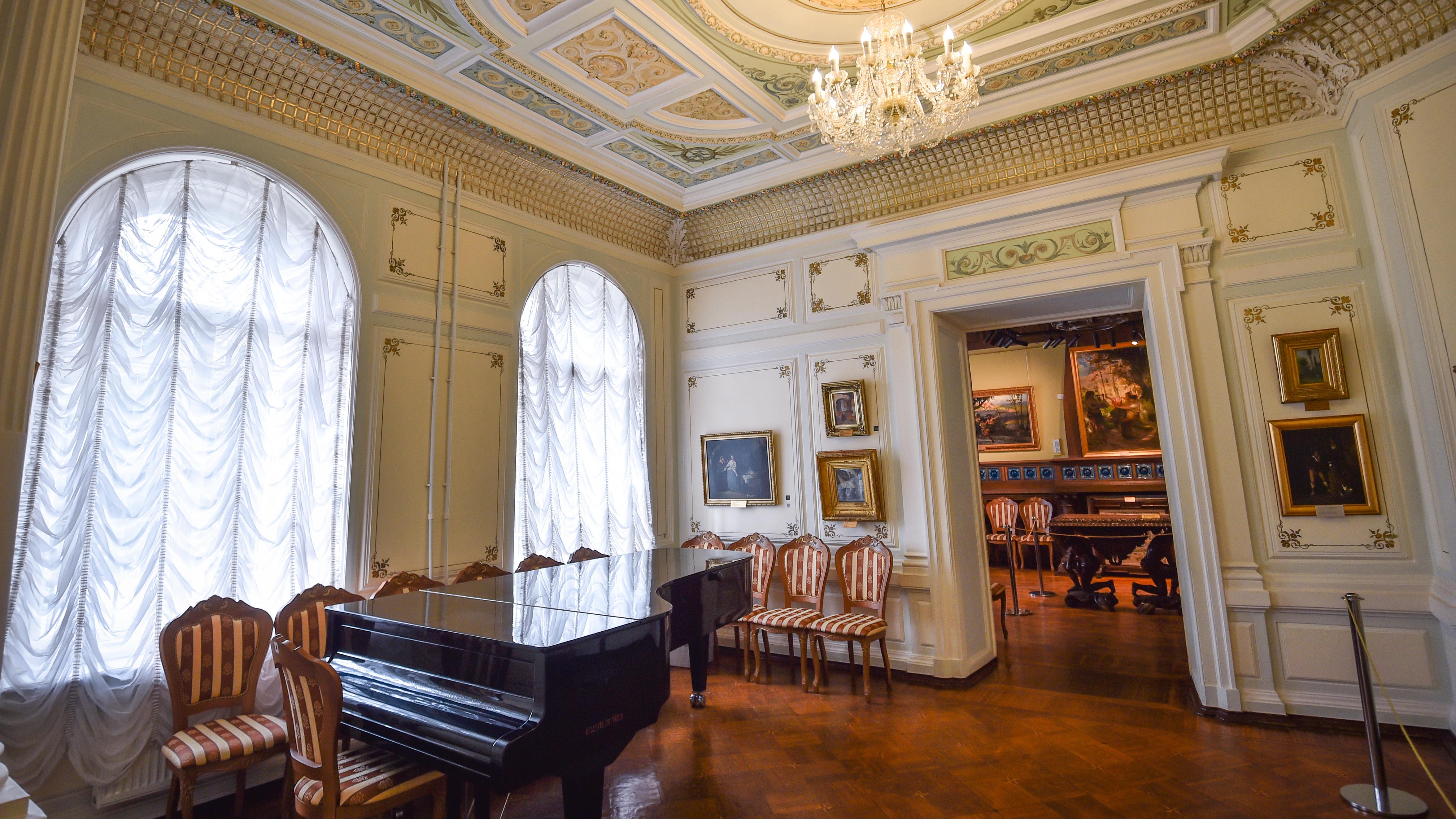Отреставрированную картину Бурлюка «Шаман» впервые представят на выставке в Серпухове