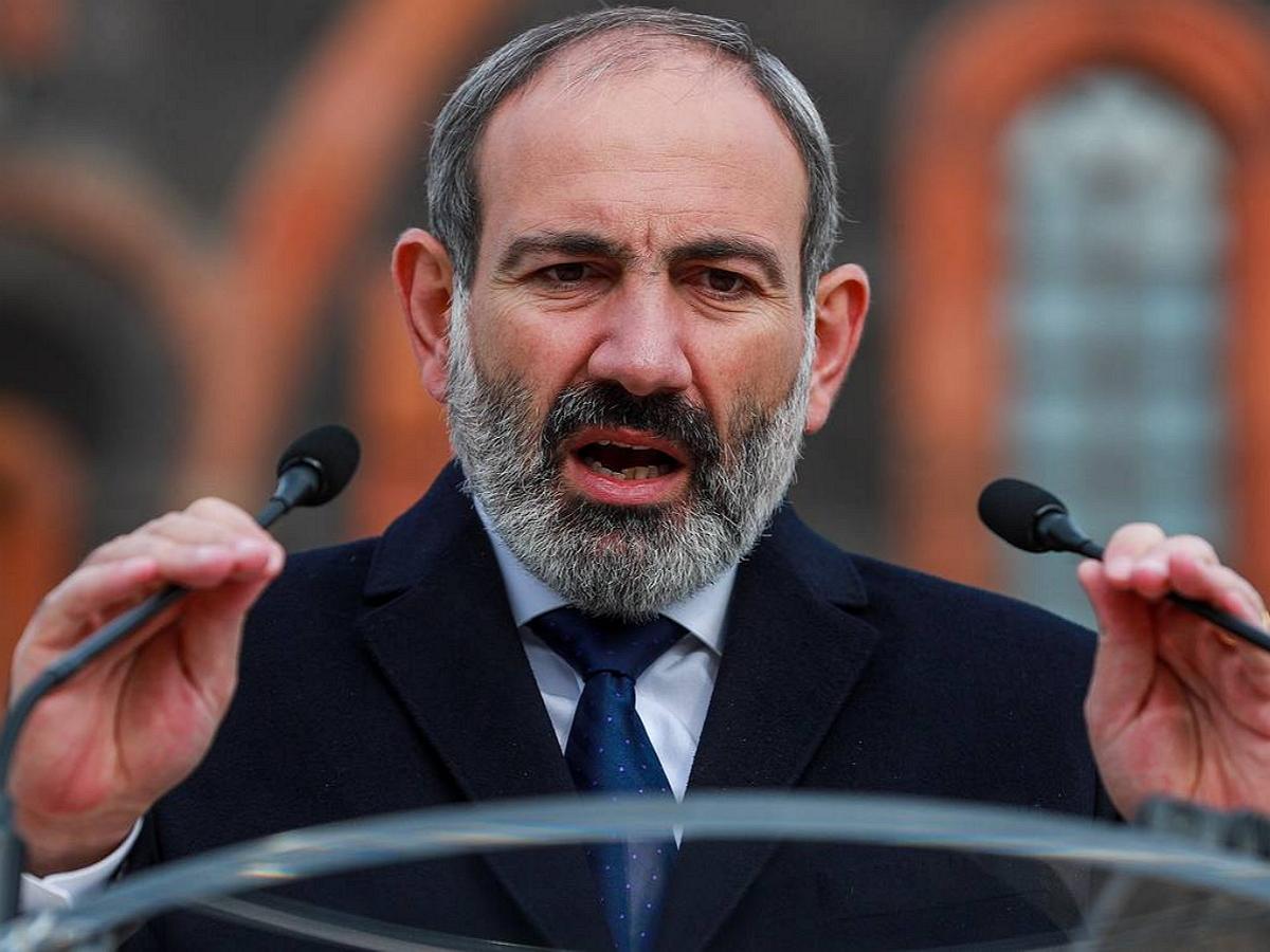 Пашинян назвал основания для ввода российских войск в Карабах
