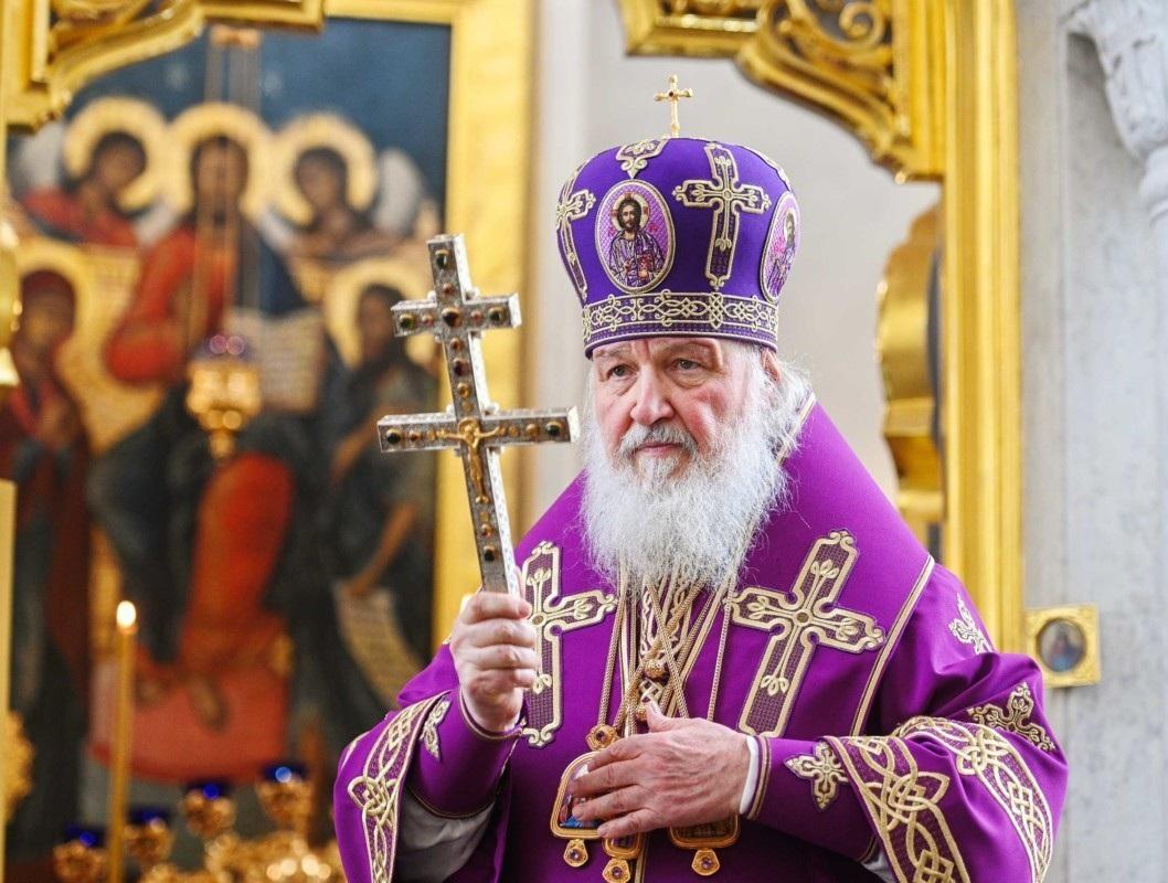 Патриарх Кирилл ушел на карантин после контакта с больным COVID-19