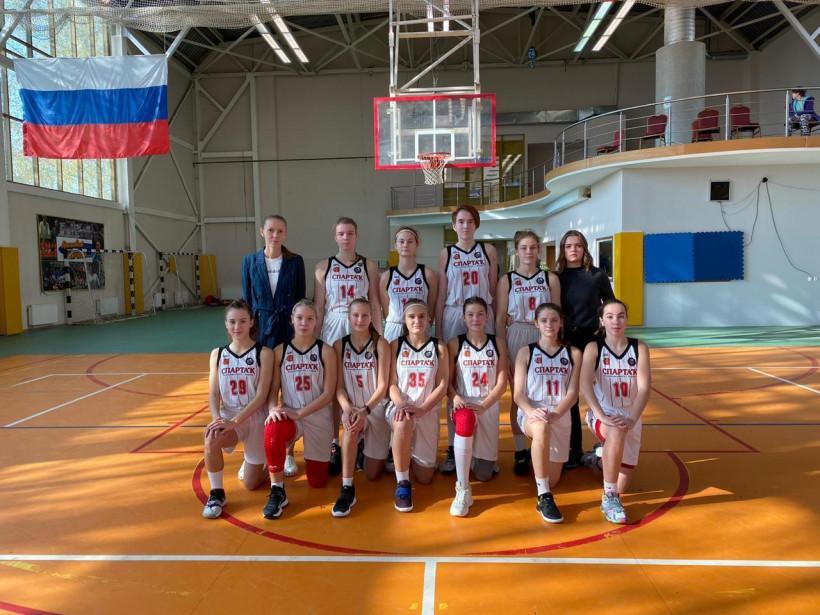 Подмосковные баскетболистки пробились в полуфинал первенства России
