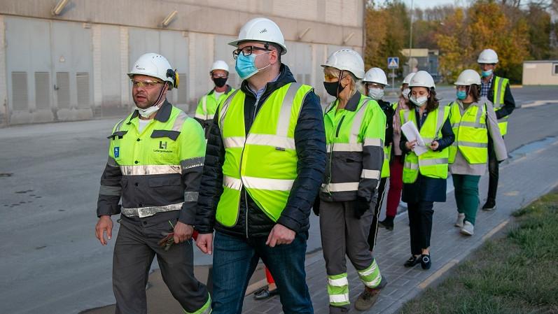 Разработка дорожной карты по уменьшению выбросов с цементного завода началась в Коломне
