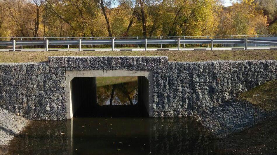 Ремонт водопропускной трубы через реку Петрицу завершили в Подольске