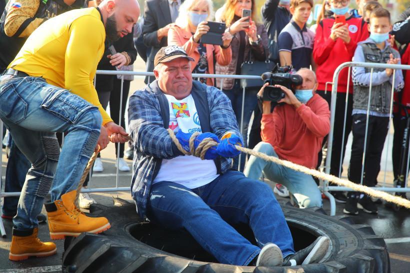 В Люберцах установили рекорд России и мира по силовому экстриму