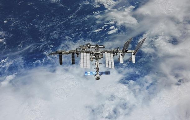 В Роскосмосе назвали размер трещины на МКС