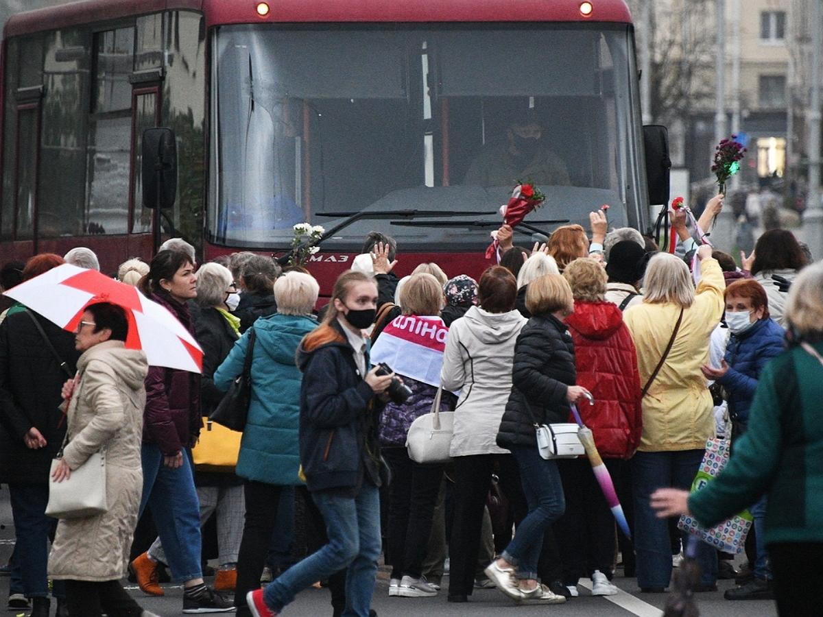 Власти Белоруссии пригрозили применять боевое оружие на акциях протеста