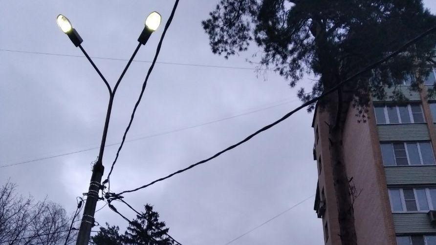 Более 250 нарушений в содержании средств наружного освещения устранили в Подмосковье