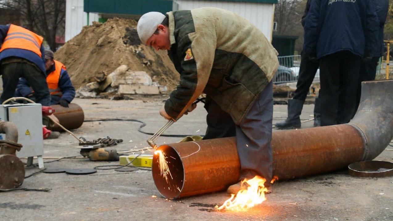 Дефектную трубу после аварии на трубопроводе в Дзержинском передали на экспертизу