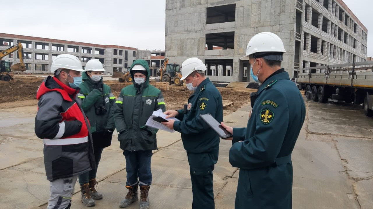 Главгосстройнадзор проверил ход строительства школы в Клину