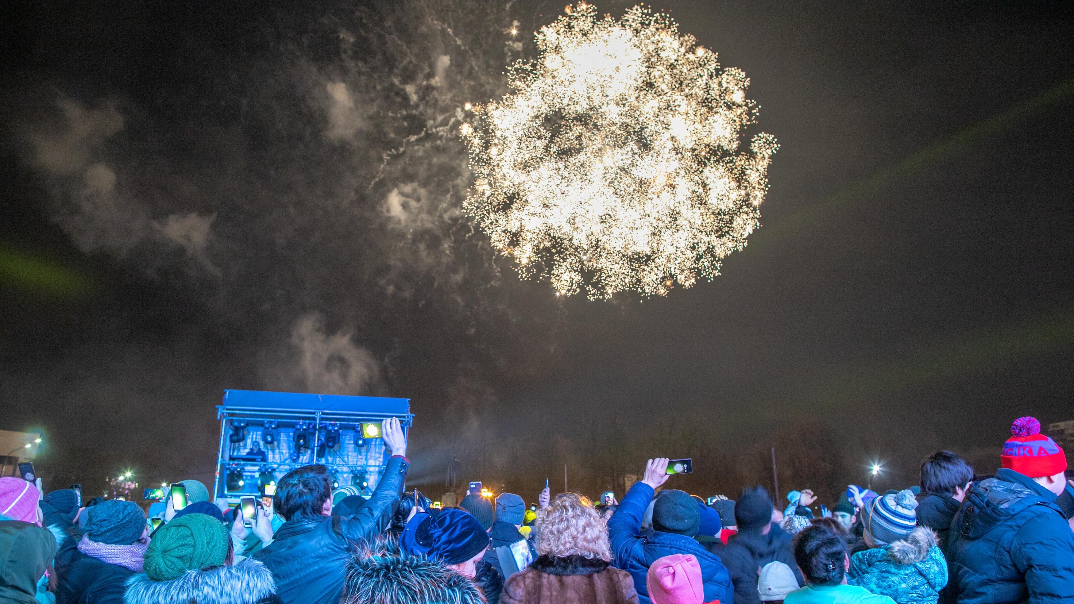 Более 4 тысяч человек встретили Новый год в сквере Поколений Подольска