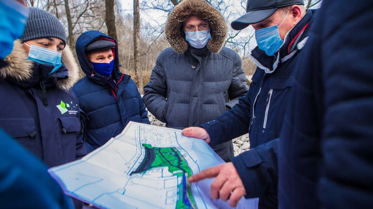 Михаил Хайкин проверил ход работ по благоустройству общественных территорий Ногинска