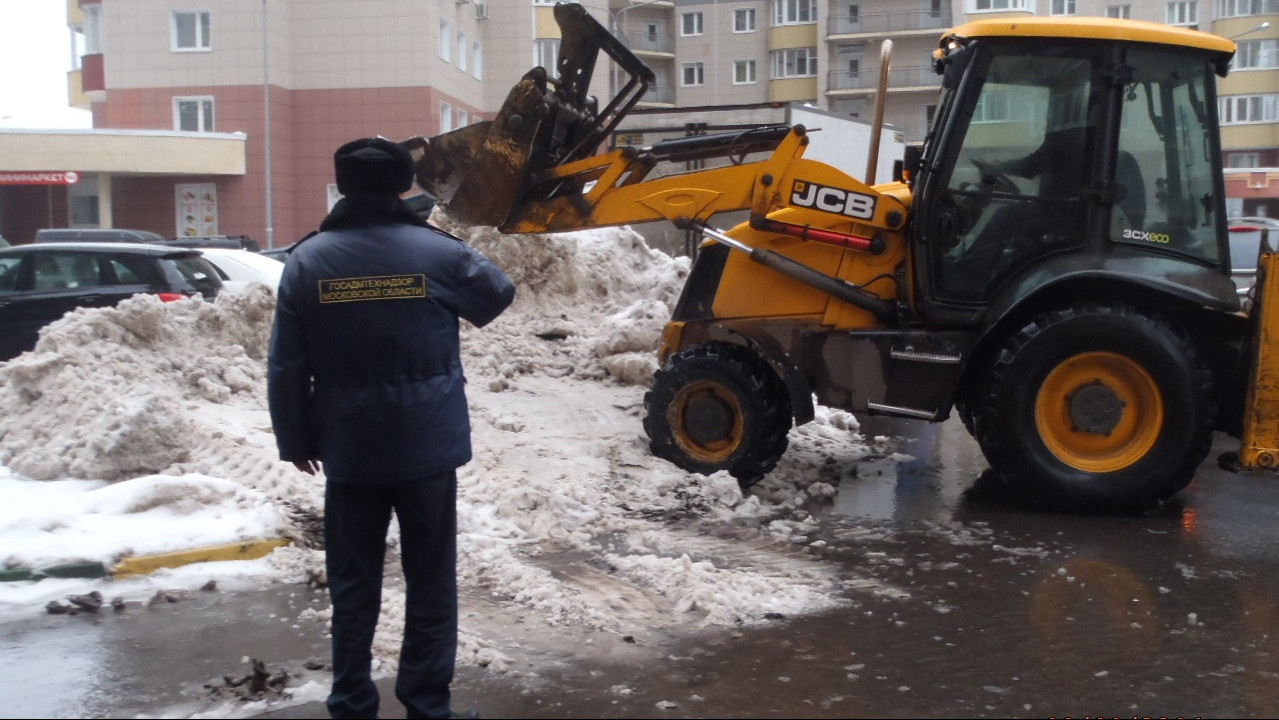 Начальник Госадмтехнадзора Подмосковья напомнил правила зимней уборки