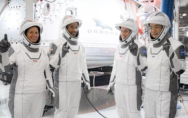 NASA предлагает всем желающим паспорт астронавта