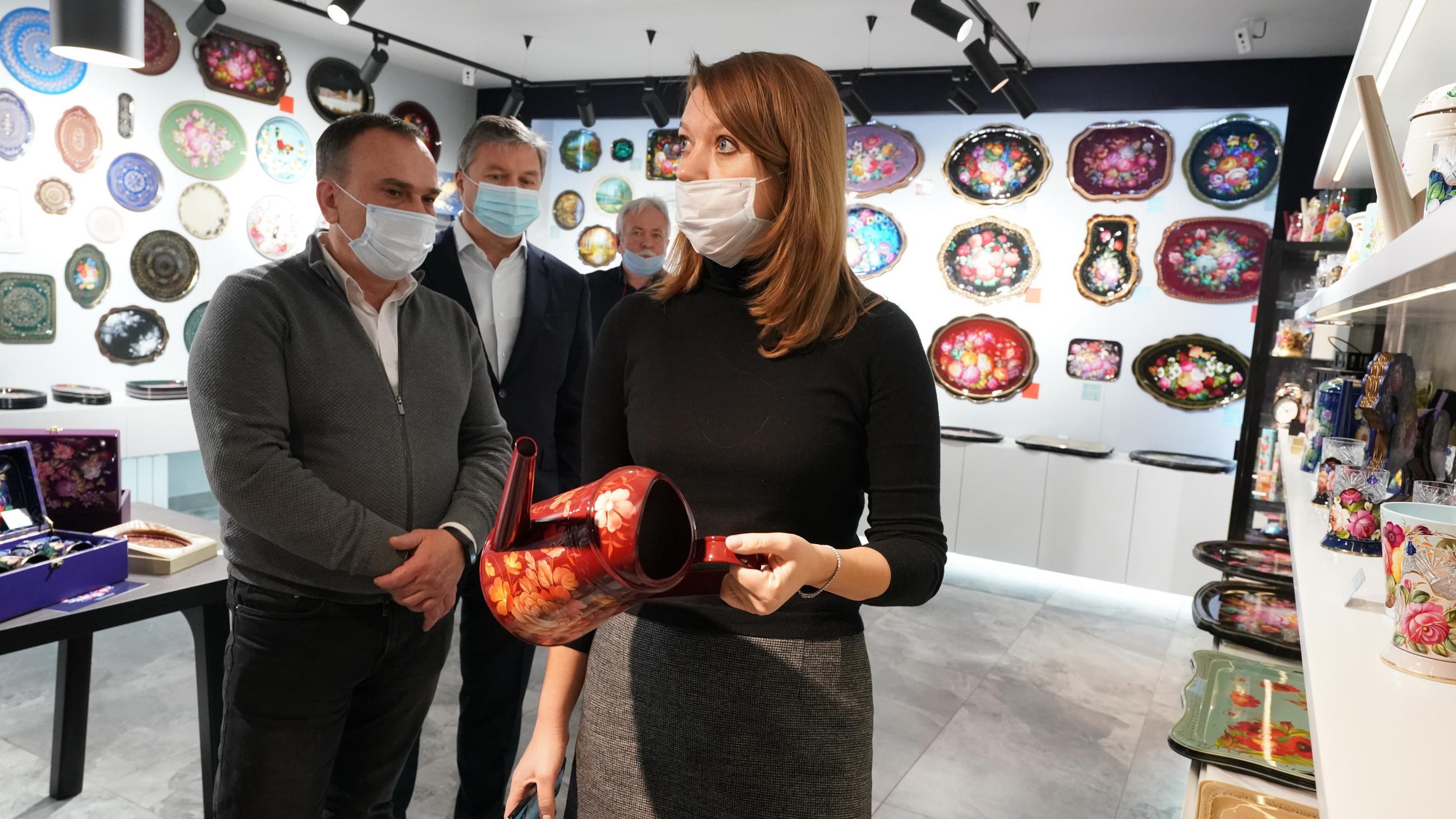 Наталья Виртуозова посетила предприятия народных промыслов в городском округе Мытищи