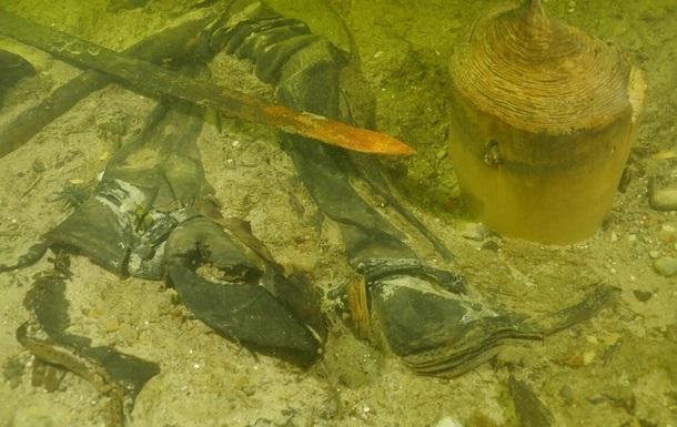 В Литве нашли останки средневекового воина в озере