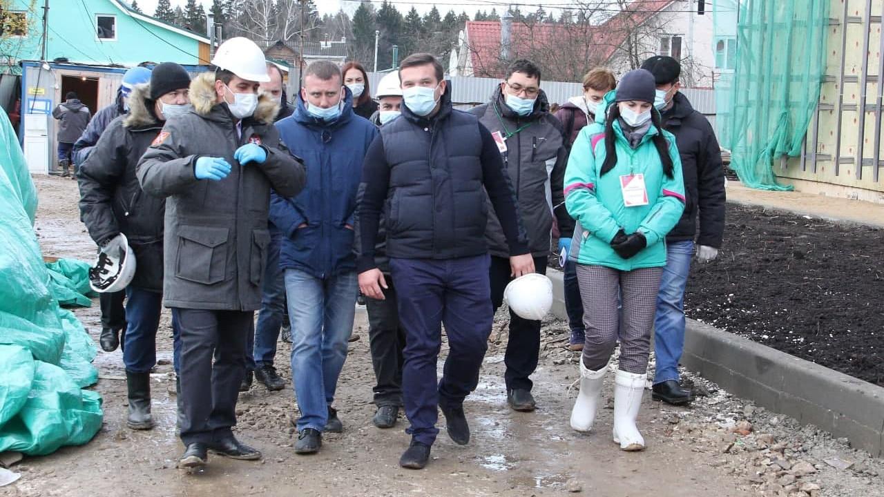 Владимир Локтев проверил ход строительства объектов образования в Рузском городском округе