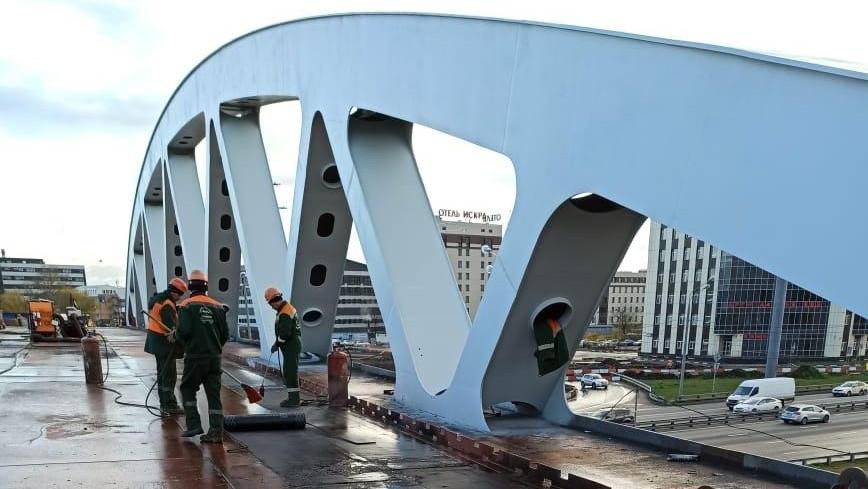 Готовность путепровода через Ленинградское шоссе в Химках составляет более 90%