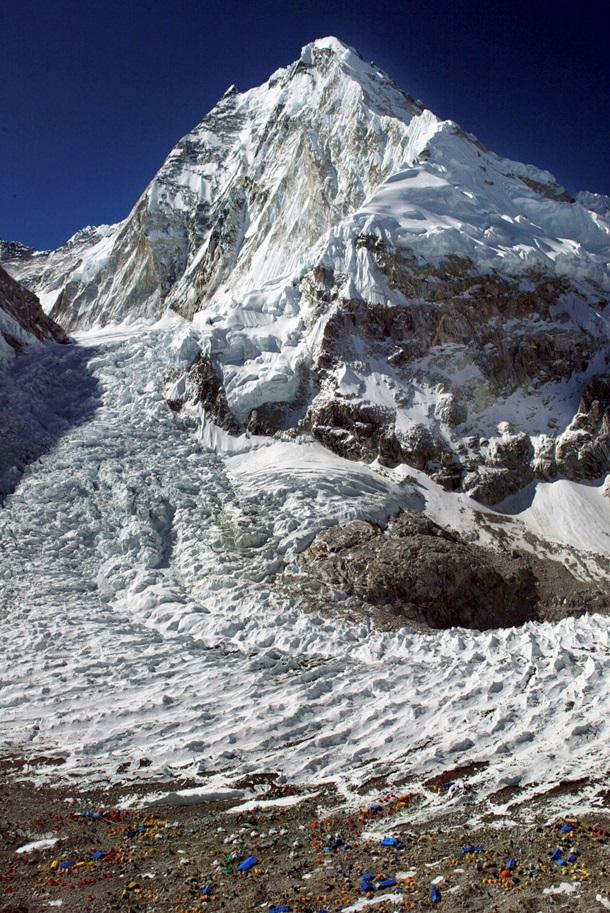 Эверест оказался еще выше. Как это произошло