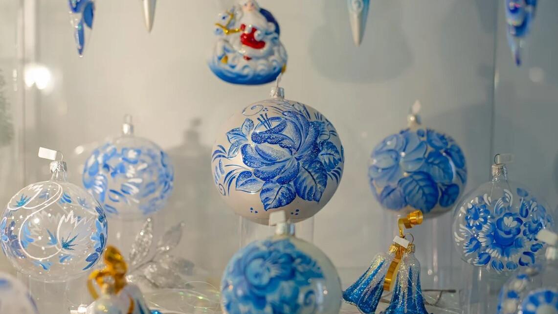 Клинская игрушка и прошлое Деда Мороза: «Путь-дорога» расскажет о елочных украшениях