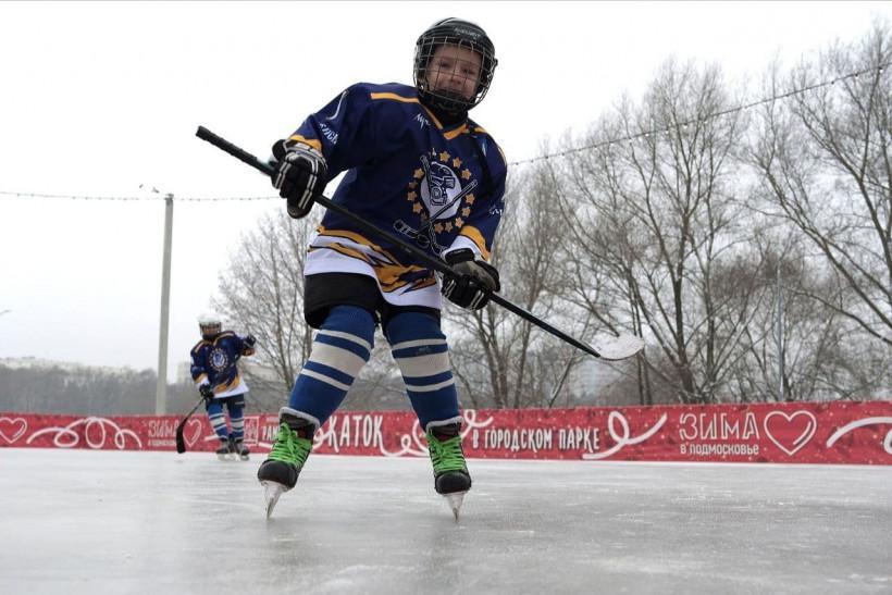 Роман Терюшков сыграл в хоккей с воспитанниками спортшколы «Раменское»