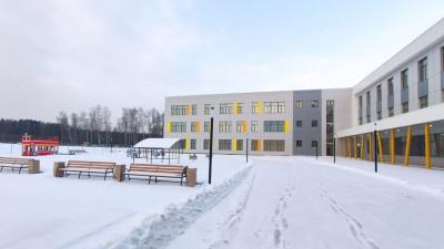 Школу на 1,1 тыс. мест построили в Ивантеевке