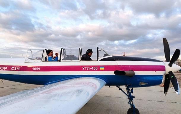 В Запорожье первый полет совершил самолет УТЛ-450