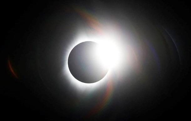"""Жители Земли во время затмения увидят """"солнечную корону"""""""