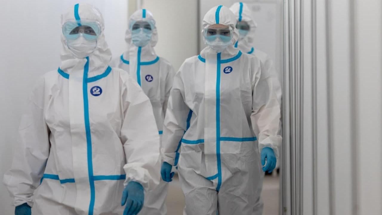 Еще 19 подмосковных врачей получили награды за борьбу с Covid-19
