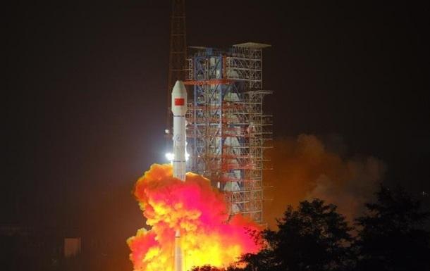 Китай запустил на орбиту спутник мобильной связи