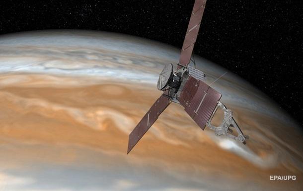 """Одна из лун Юпитера """"посылает"""" Wi-Fi сигнал"""