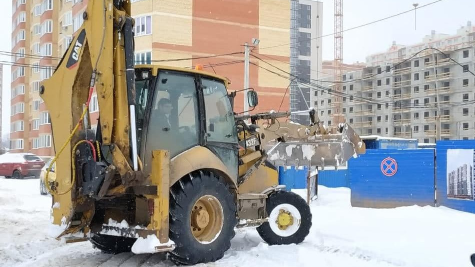 Застройщики Подмосковья своевременно убирают снег на строительных площадках