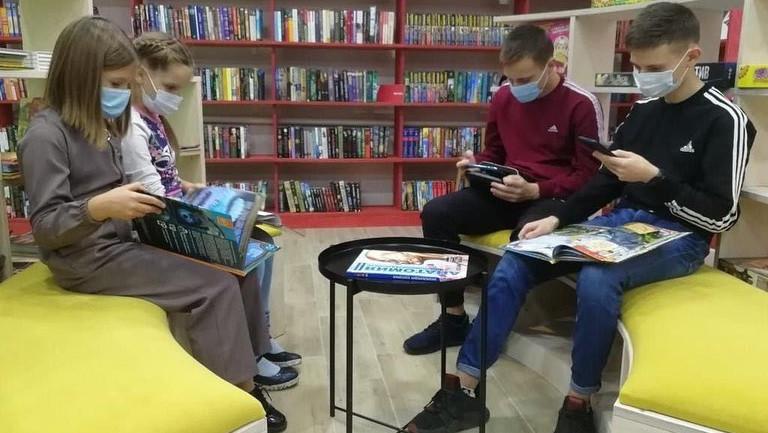 Жителям Подмосковья рассказали, какие книги популярны у посетителей библиотек