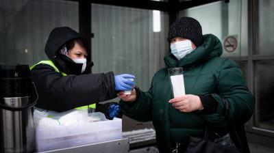 Более 1,1 тыс. литров чая раздали пассажирам Московской области с начала недели