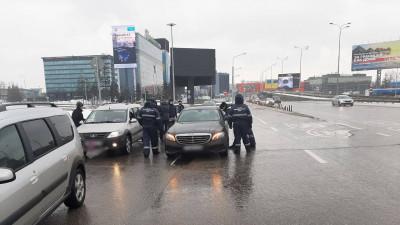Меры по борьбе с нелегальными такси усилили в аэропорту Шереметьево