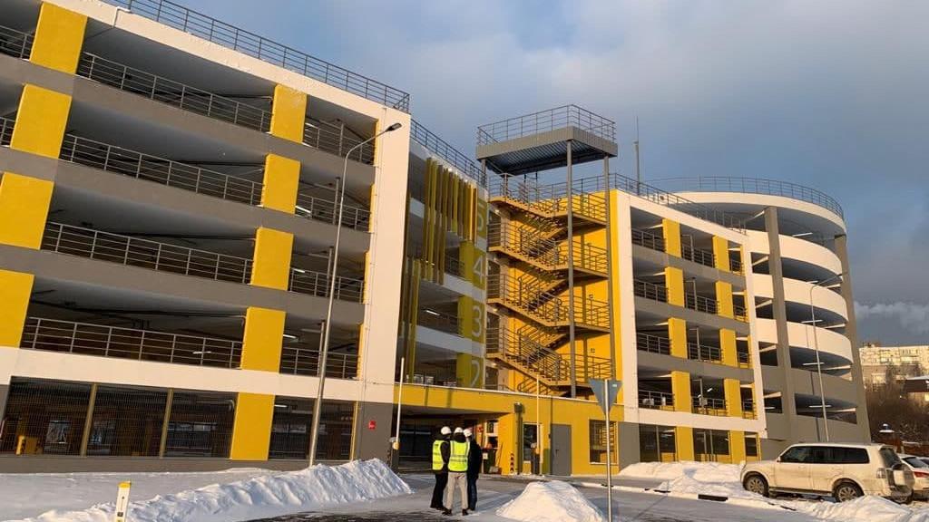 Надземную автостоянку на 300 мест построили в Лыткарине